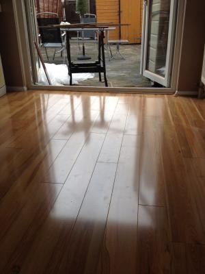 Scherzo Light Walnut Effect Laminate Flooring 121 M Pack