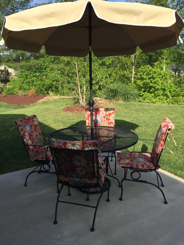 trendy my new patio set so cheery and fresh completed all in one day with alinea appliques. Black Bedroom Furniture Sets. Home Design Ideas