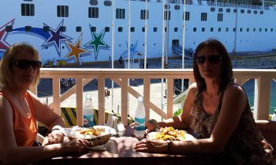 Lunch in Roatan