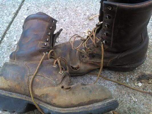 bbcea3d036e0 Men s 4420 Electrical Hazard Waterproof Steel Toe LoggerMax 9-inch ...