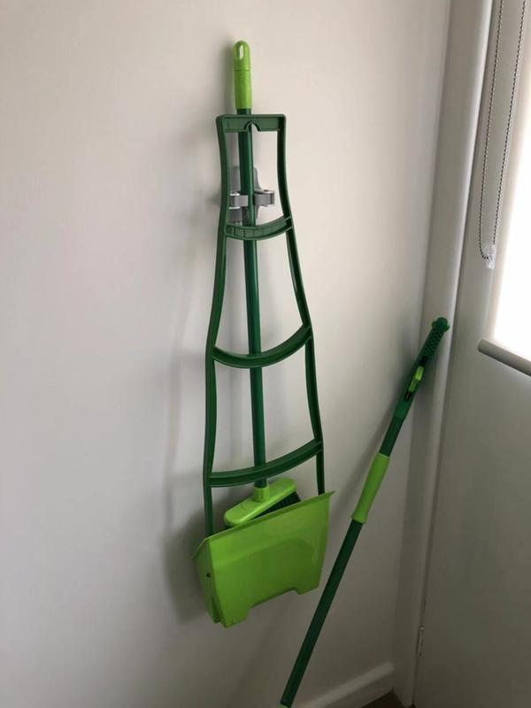 Command™ Broom Gripper