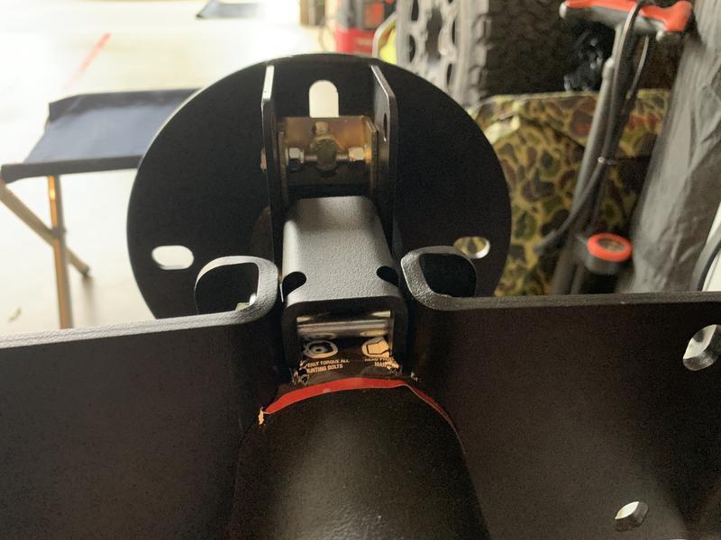 Rotation bracket too narrow, not tight inside Solo