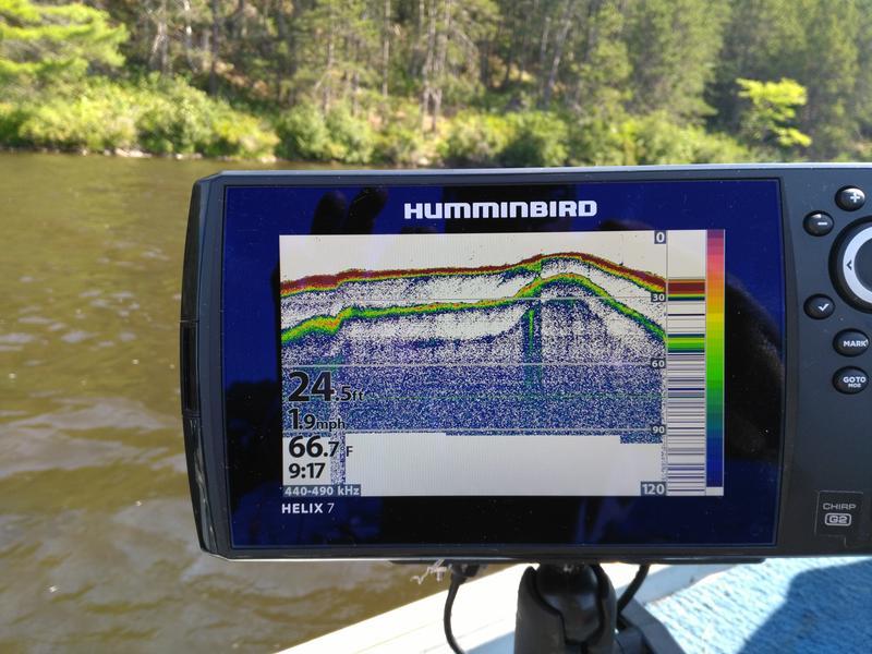 Humminbird HELIX 7 CHIRP SI GPS G2N Fishfinder and Chartplotter with  Navionics+
