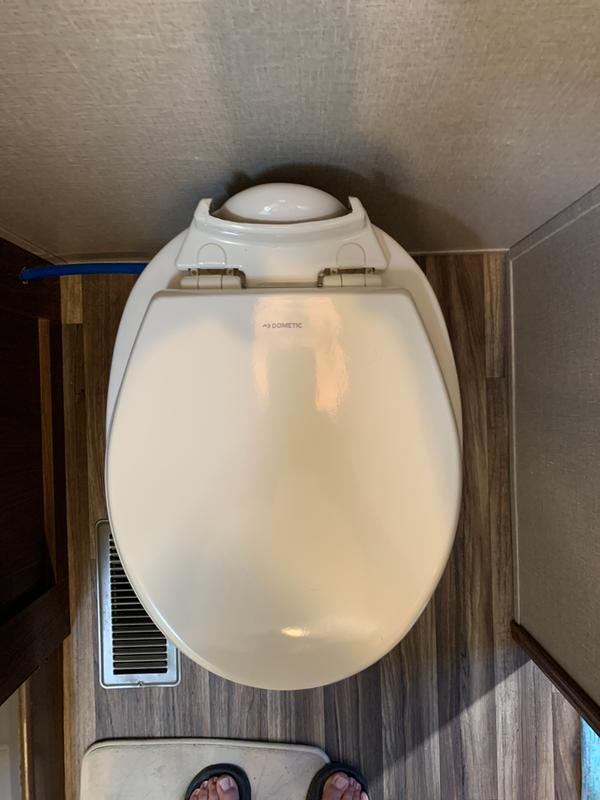 Dometic Sanitation 385312074 Toilet Seat//Cover Slow Close