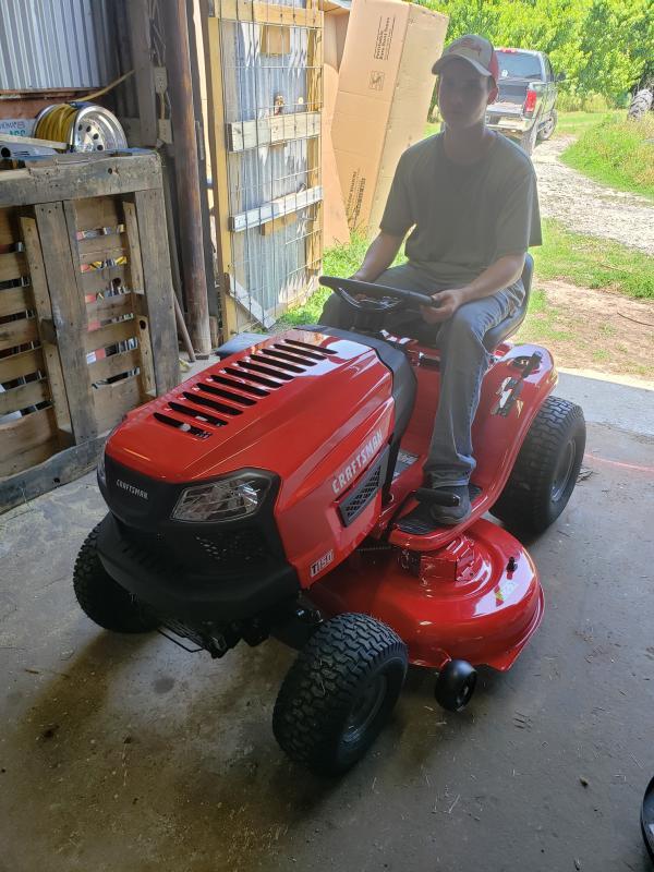 T150 46-in  19 0 HP* Hydrostatic Riding Mower