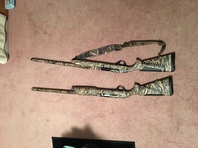 Benelli Super Black Eagle 3 Realtree Max-5 Semi-Auto Shotgun - 12 Gauge -  26''