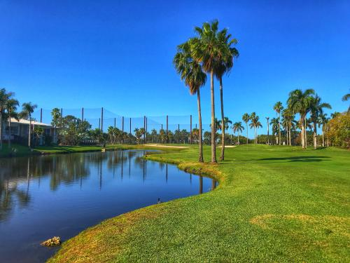 Country Club of Miami (East), hole 18