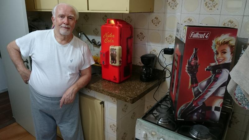 Mini Kühlschrank Nuka Cola : Nuka cola kühlschrank zx startupjobsfa