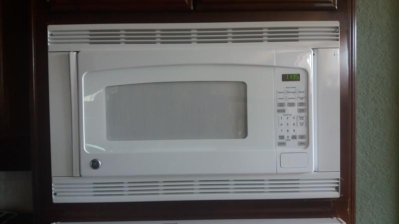 Ge 2 0 Cu Ft Capacity Countertop Microwave Oven
