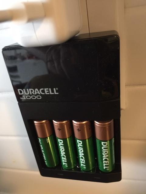 Duracell Battery Products | Ion Speed 1000 Battery Charger