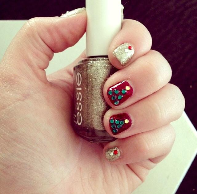 Christmas Nails Last Year With Beyond Cozy And Leading Lady