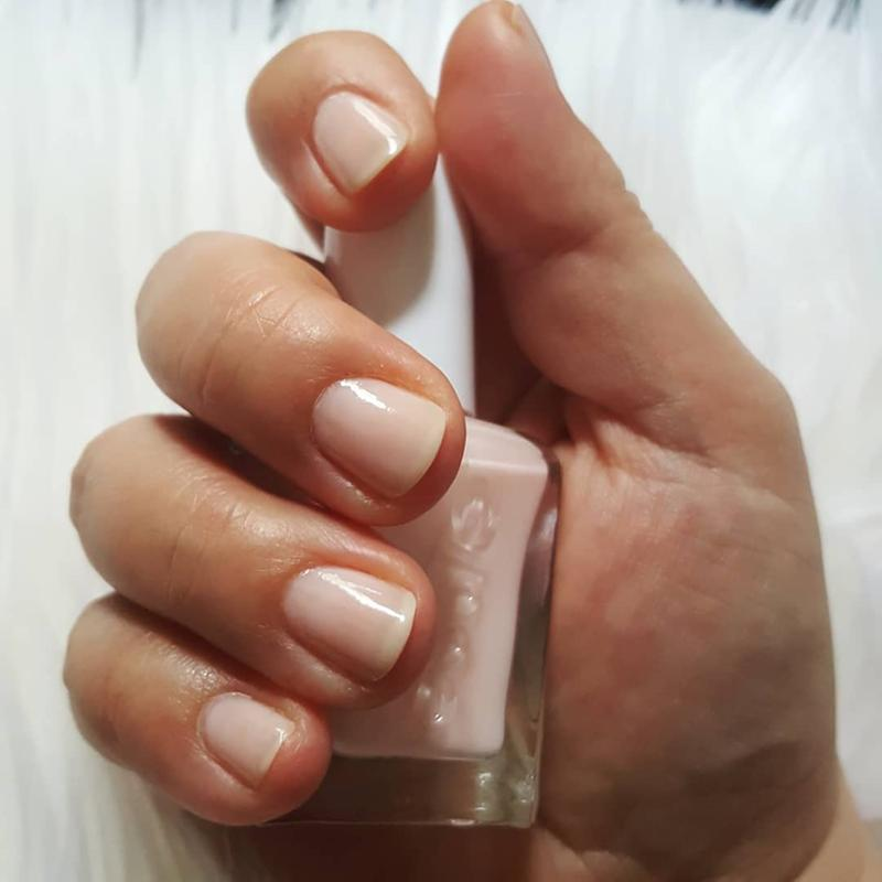 fairy tailor - nude pink gel nail polish, nail color & lacquer - essie