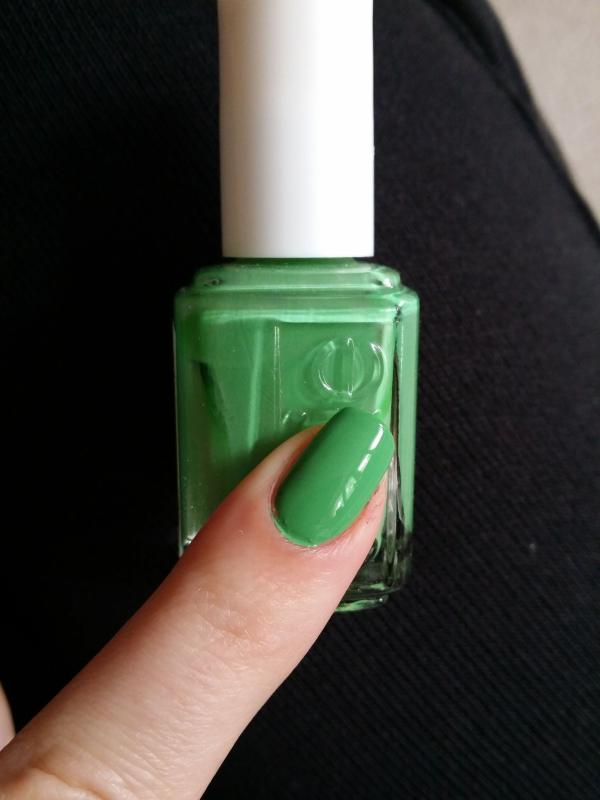 mojito madness - lime green nail polish & nail color - essie
