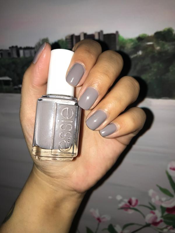 chinchilly - purple gray nail polish & nail color - essie