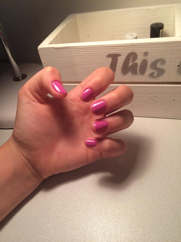 splash of grenadine - pink magenta nail polish & nail color - essie