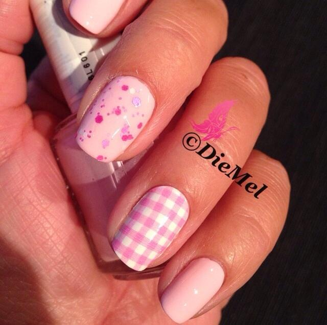 romper room - pale pink nail polish, nail color & lacquer - essie