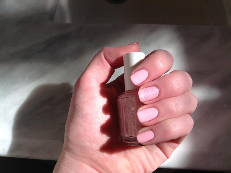 muchi, muchi - creamy light pink nail polish & nail color - essie