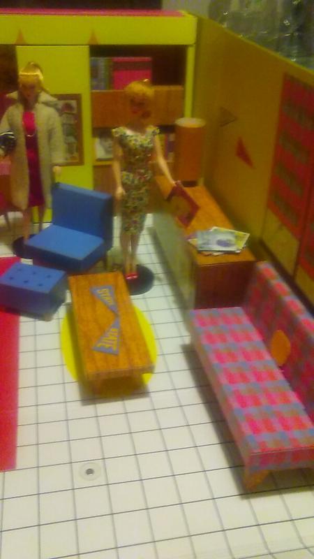 Barbie® Dream House® (1962 Reproduction)