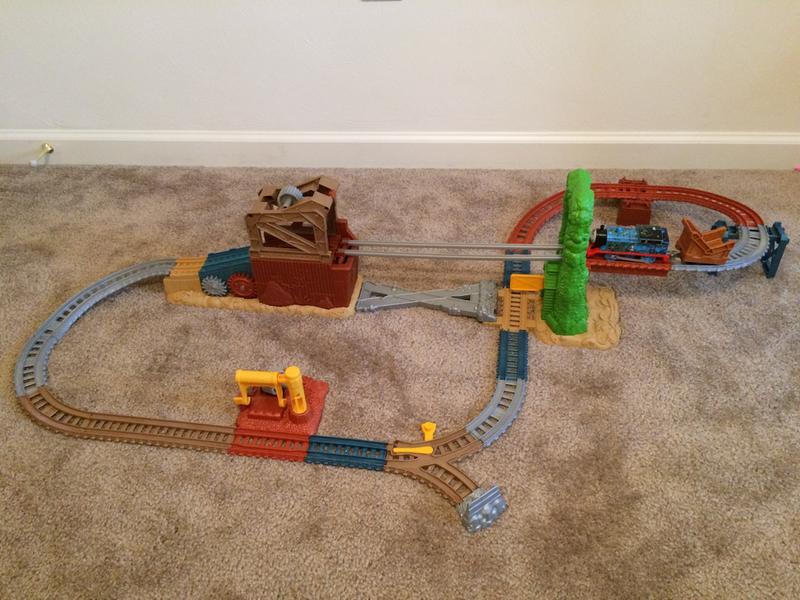 Thomas & Friends TrackMaster Scrapyard Escape Set | FBK08 | Fisher-Price