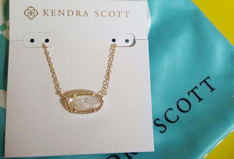 7aad9daba7fa2 Elisa Gold Pendant Necklace in Ivory Pearl | Kendra Scott