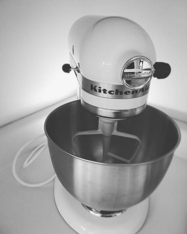 white classic series 4 5 quart tilt head stand mixer k45sswh rh kitchenaid com