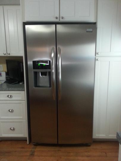 frigidaire gallery 22 2 cu ft side by side refrigerator in