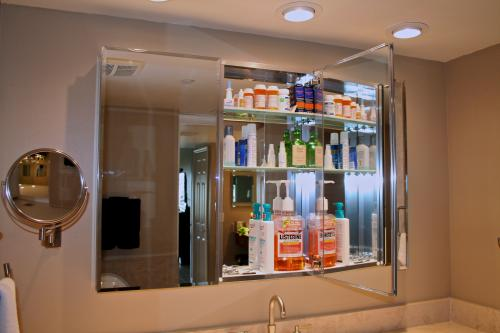 Pegasus 48 In W X 31 H Frameless Recessed Or Surface Mount Tri View Bathroom Medicine Cabinet With Beveled Mirror Sp4590 At The Home Depot Mobile