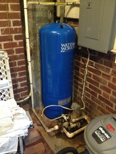 Water Worker 32 Gal Pressurized Well Tank Ht32b At The