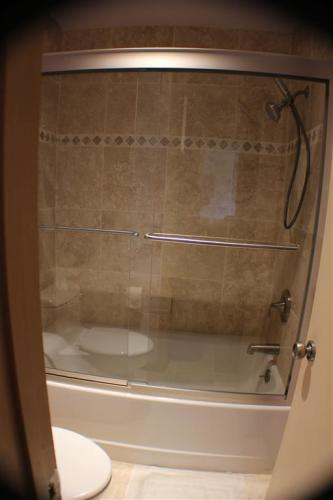 American Standard Cambridge 5 ft. Americast Right-Hand Drain Bathtub ...