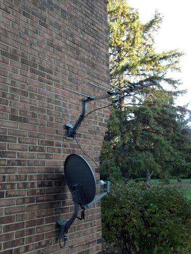 Rca Ant751r Outdoor Optimized Digital Antenna Electronics Accessories Supplies Don't let other providers fool you, the best possible uncompressed hd signal is delivered with an rca antenna. genius library learning house