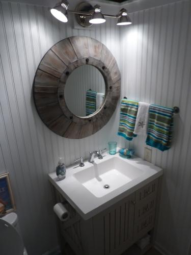 Martha Living Seal Harbor 30 In W X 22 D Bathroom Vanity Sharkey Gray With Top White Sl30p2com Sg At The Home Depot Mobile