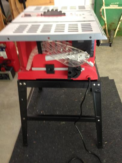 Skil 10 In 15 Amp Tablesaw With Fixed Stand 3310 02 At The