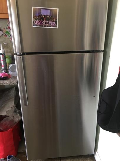 GE 15 5 cu  ft  Top Freezer Refrigerator in White GTS16GTHWW