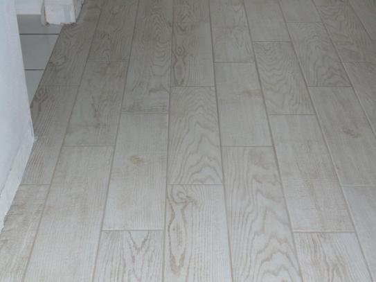 Lovely MARAZZI Montagna White Wash 6 in. x 24 in. Glazed Porcelain Floor  JZ52