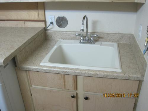Merveilleux MUSTEE 22 In. X 25 In. Fiberglass Self Rimming Utility Sink In Biscuit  10CBT At The Home Depot   Mobile