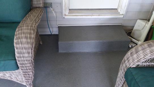 BEHR Granite Grip step
