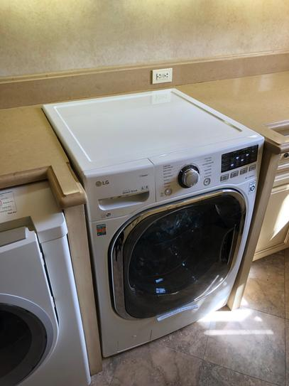 LG Electronics 4 5 cu  ft  High-Efficiency Front Load Washer with