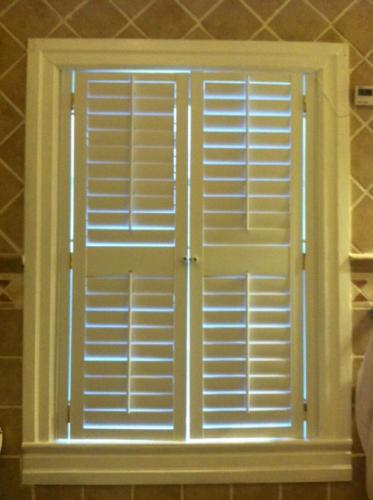 HOME Basics Plantation Faux Wood White Interior Shutter (Price Varies By  Size) QSPA3948   The Home Depot