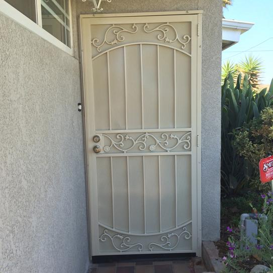 Unique Home Designs 36 In. X 80 In La Entrada Navajo White Surface Mount  Outswing Steel Security Door With Perforated Metal Screen 5SH630NAVAJ36 At  The Home ...