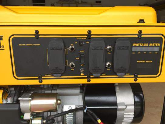 Dewalt 7 000 Watt Gasoline Powered Electric Start Portable