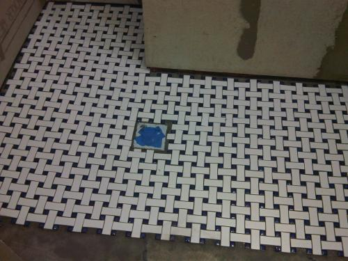 Merola Tile Basket Weave White And Cobalt 9 34 In X 9 34 In X 5