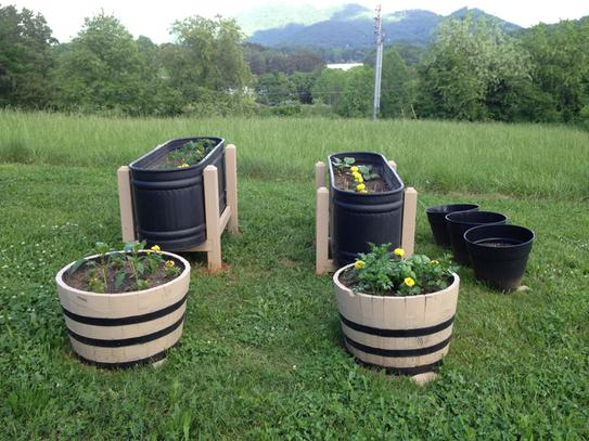 25 In Dia Oak Wood Whiskey Barrel Planter B100 At The Home Depot