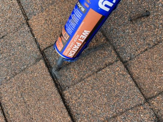 Henry Henry 208r Rubberized Wet Patch Roof Cement Leak Repair 0 90 Gallon He208r142 At The Home Depot Mobile