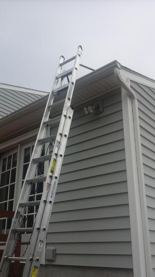 Extension Ladder Roof Stabilizer Latest Rooftop Ideas