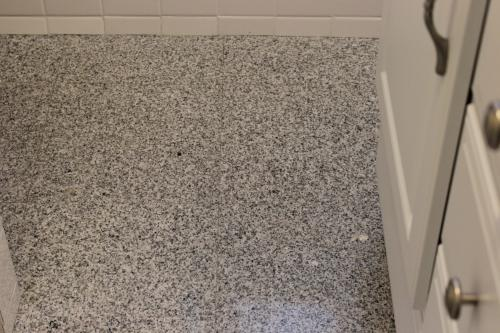 MSI White Sparkle 12 in. x 12 in. Polished Granite Floor and Wall ...