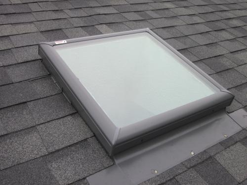 Velux 22 1 2 in x 30 1 2 in fixed curb mount skylight for Velux customer support