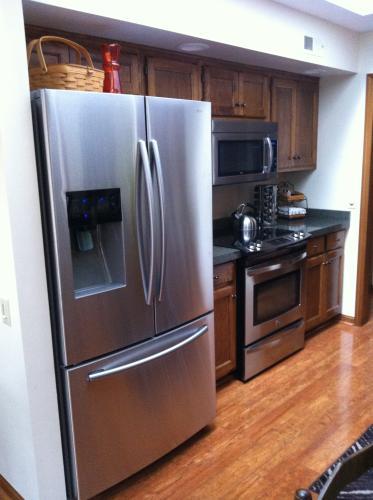 Samsung 246 Cu Ft French Door Refrigerator In Stainless Steel