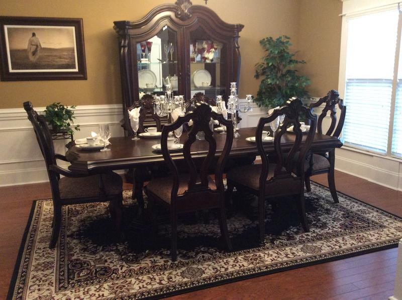 Villa Sonoma Dining Table