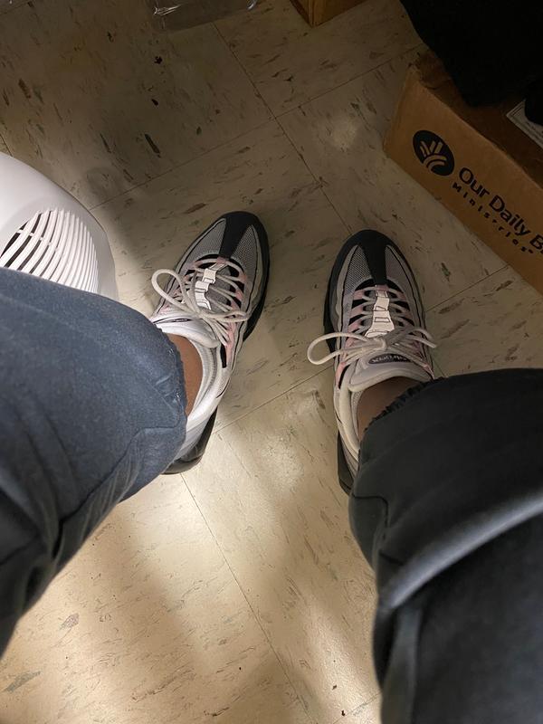 Nike Air Max 95 Premium Grey Pink Foam Men S Shoe Hibbett