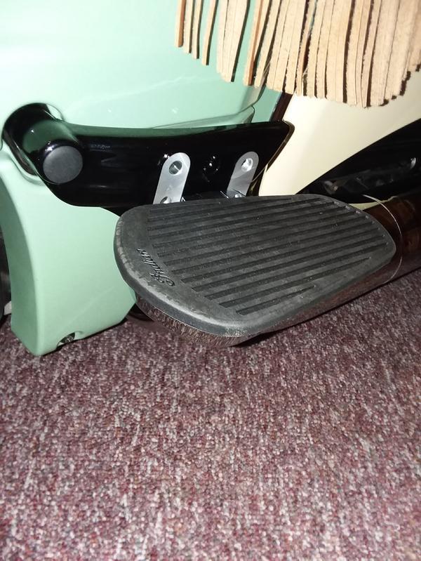 2880288 Indian Adjustable Passenger Floorboard Mounts